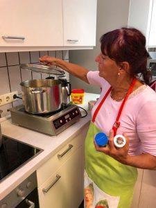 Ulla in der Küche